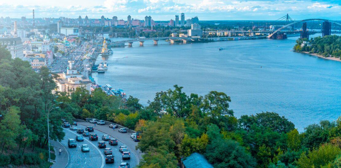 Ukrayna Nasıl Bir Ülke? 8 – beside denizi yoldaki arabalar